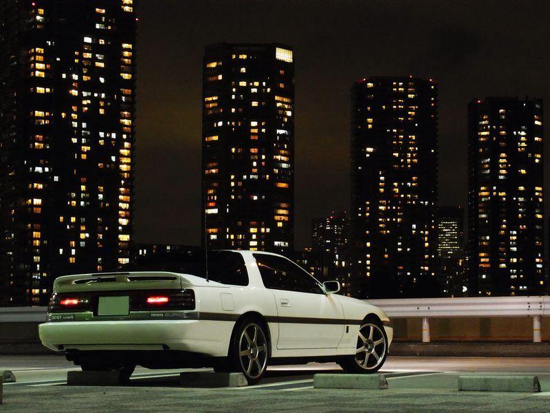 Toyota Supra A70 MK3, miasto nocą, tył, biała, japońskie sportowe auta, samochody z duszą, JDM