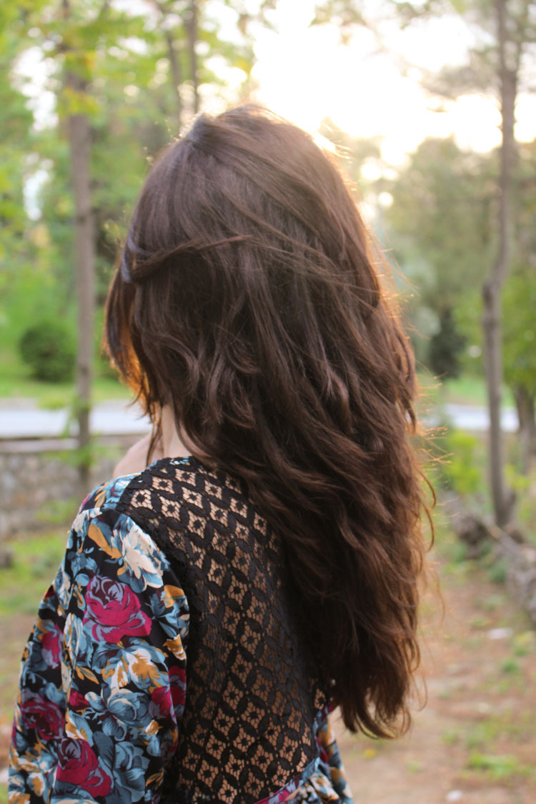 backless flower dress, hair