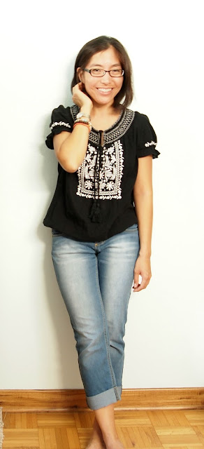 black embroidered top cuffed jeans teacher style summer outfits