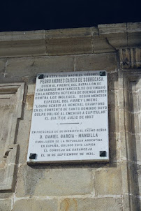 Placa de mármol en Caranceja