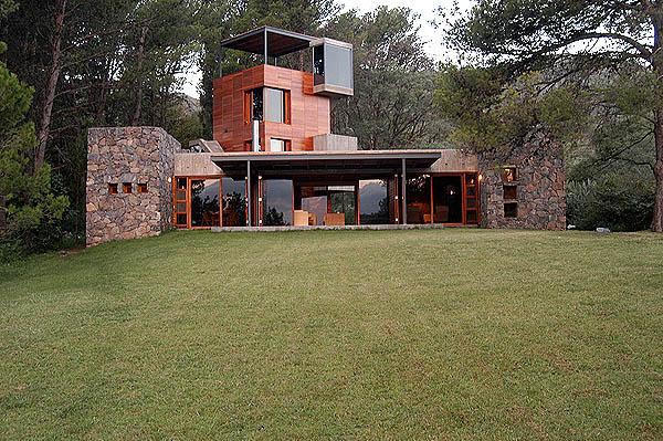 El plan z arquitectura house now miguel angel roca casa en calamuchita - Arquitectos en cordoba ...