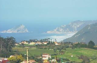 vista de la playa de Los Quebrantos desde Somao