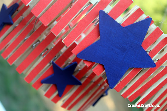 Clothespin Chandelier via createcraftlove.com #clothespin #knockoff