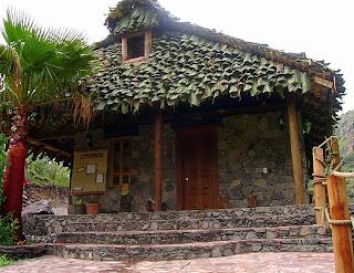 El ecoalberto invita a sus visitantes a disfrutar for Cabanas en el agua bali
