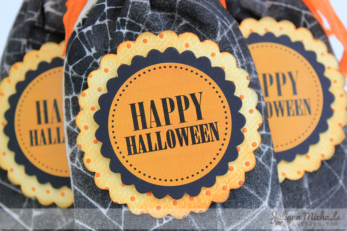 SRM Stickers Blog - Halloween Stenciled Bags by Juliana - #muslinbags #bags #cotton #halloween #stickers #punchedpieces