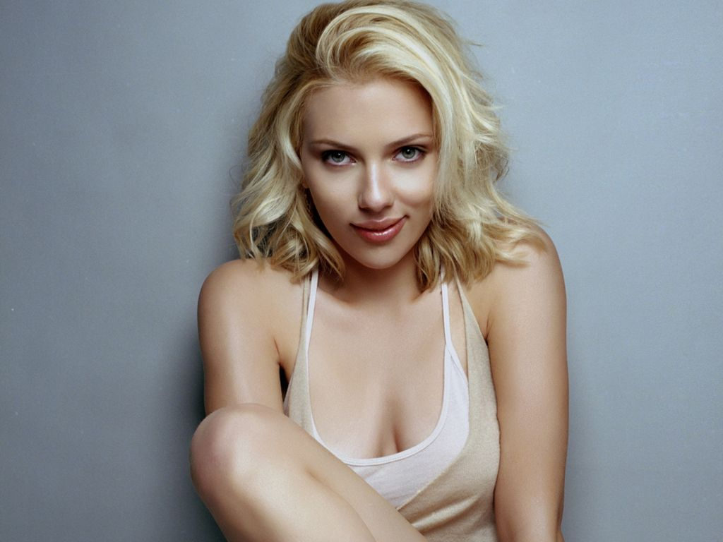 http://1.bp.blogspot.com/-qPI4JLPjQYM/TnEHN2u9vKI/AAAAAAAAC3U/2TnkVzj2WsM/s1600/Scarlett-Johansson.jpg