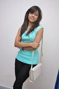 Vithika Sheru Glamorous Photo Shoot Gallery-thumbnail-10