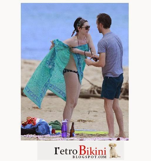 English: Anne Hathaway bikini New Year 2014 Hawaii