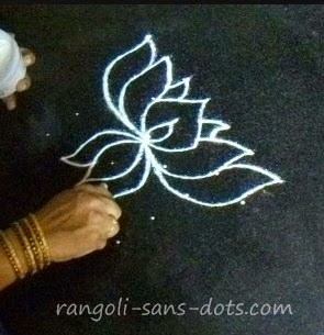 step-2-lotus-kolam.jpg