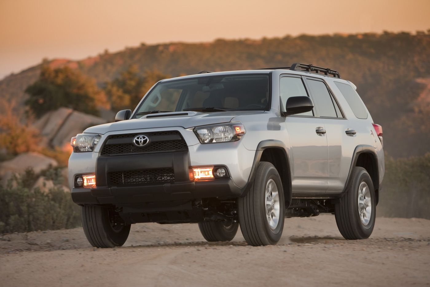 world best cars latest 2011 toyota 4runner. Black Bedroom Furniture Sets. Home Design Ideas