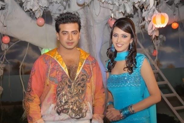 Model+Bidya+Sinha+Saha+Mim008
