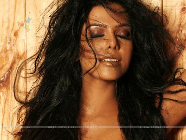 Category : Bollywood , Female Celebrity , Natasha Suri , Photo Gallery