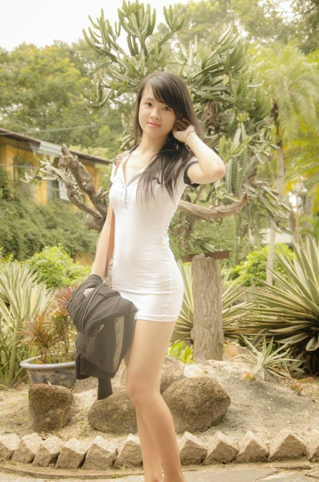 Enjoy the blossoming body of a Vietnamese teen girl - The