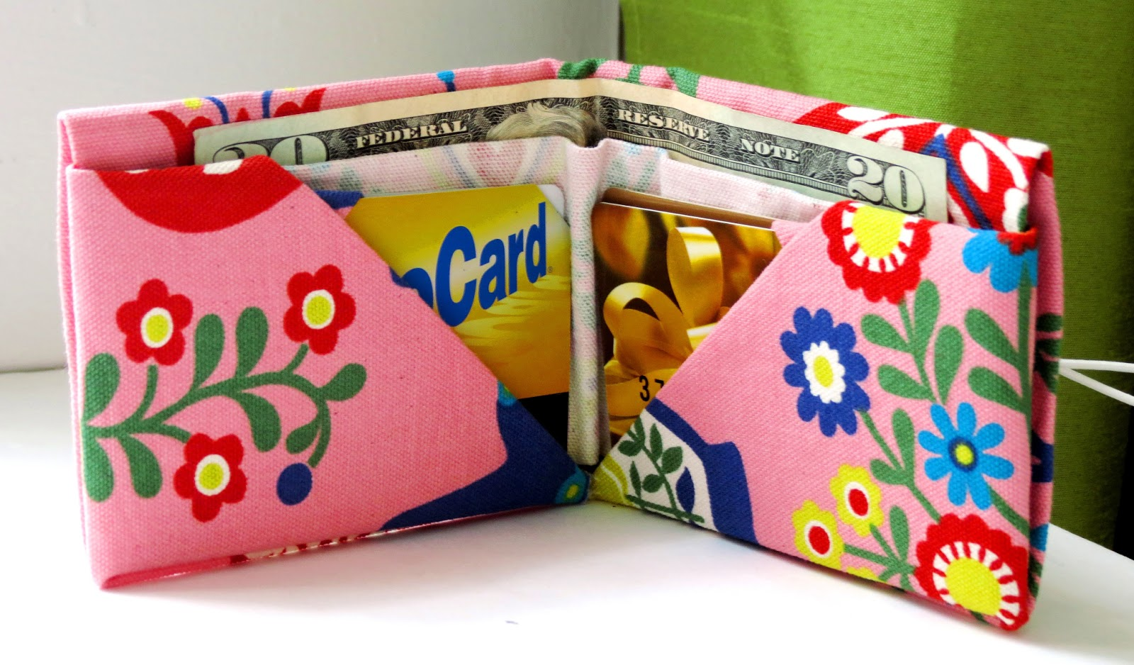 Bee-a-ba: Fabric Origami Wallet
