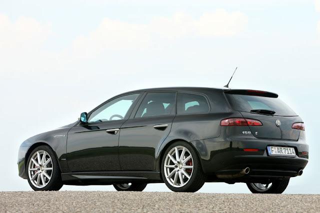 2012-Alfa-159-Sportwagon-Exterior-back