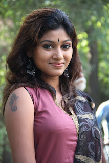Tamil Actress Oviya New Stills in Chudidar