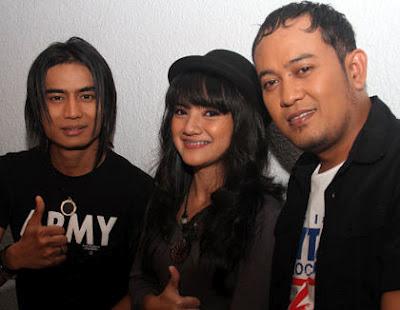 Kumpulan Foto Setia Band Terbaru 2012