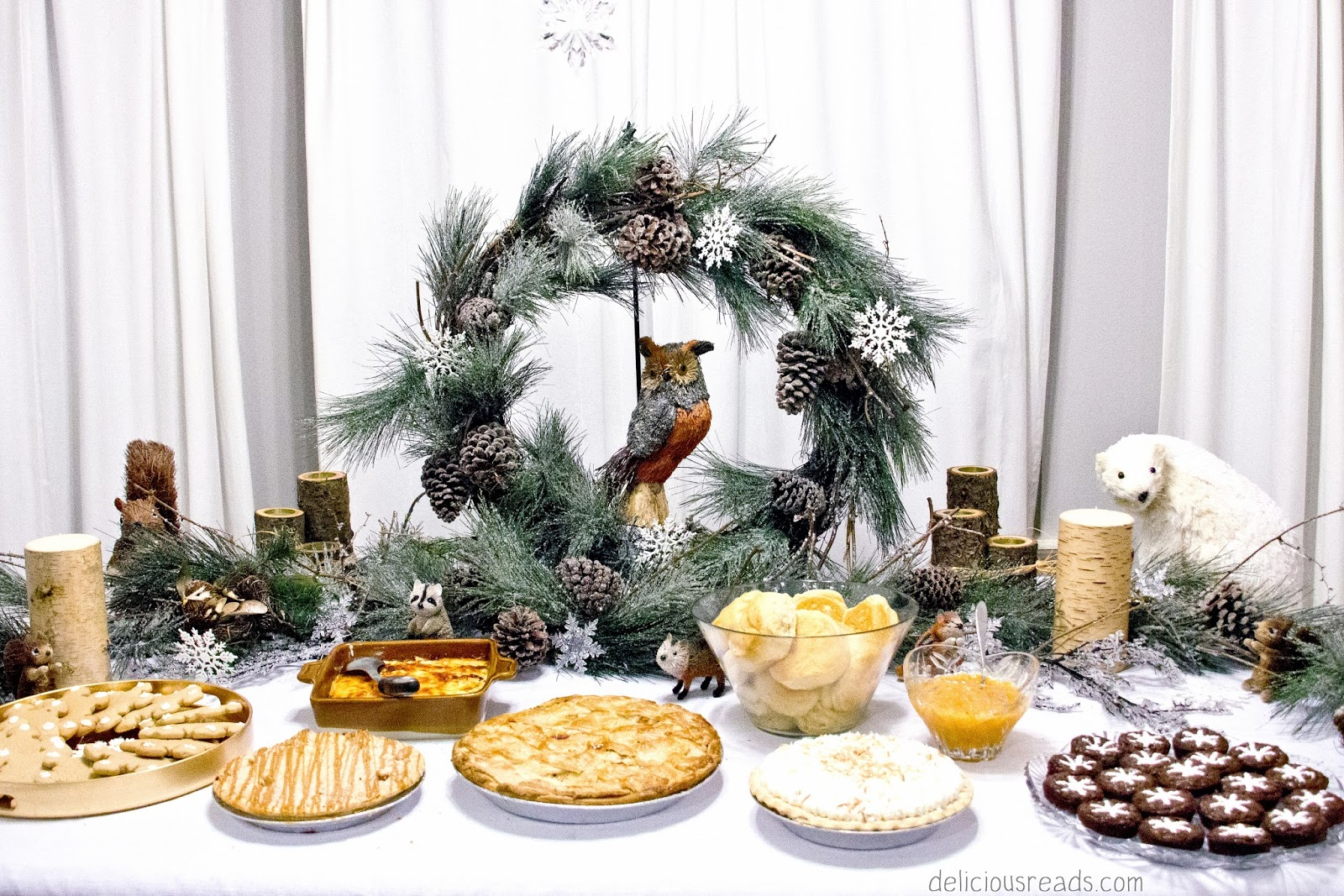 Food and table decorations for the Snow child