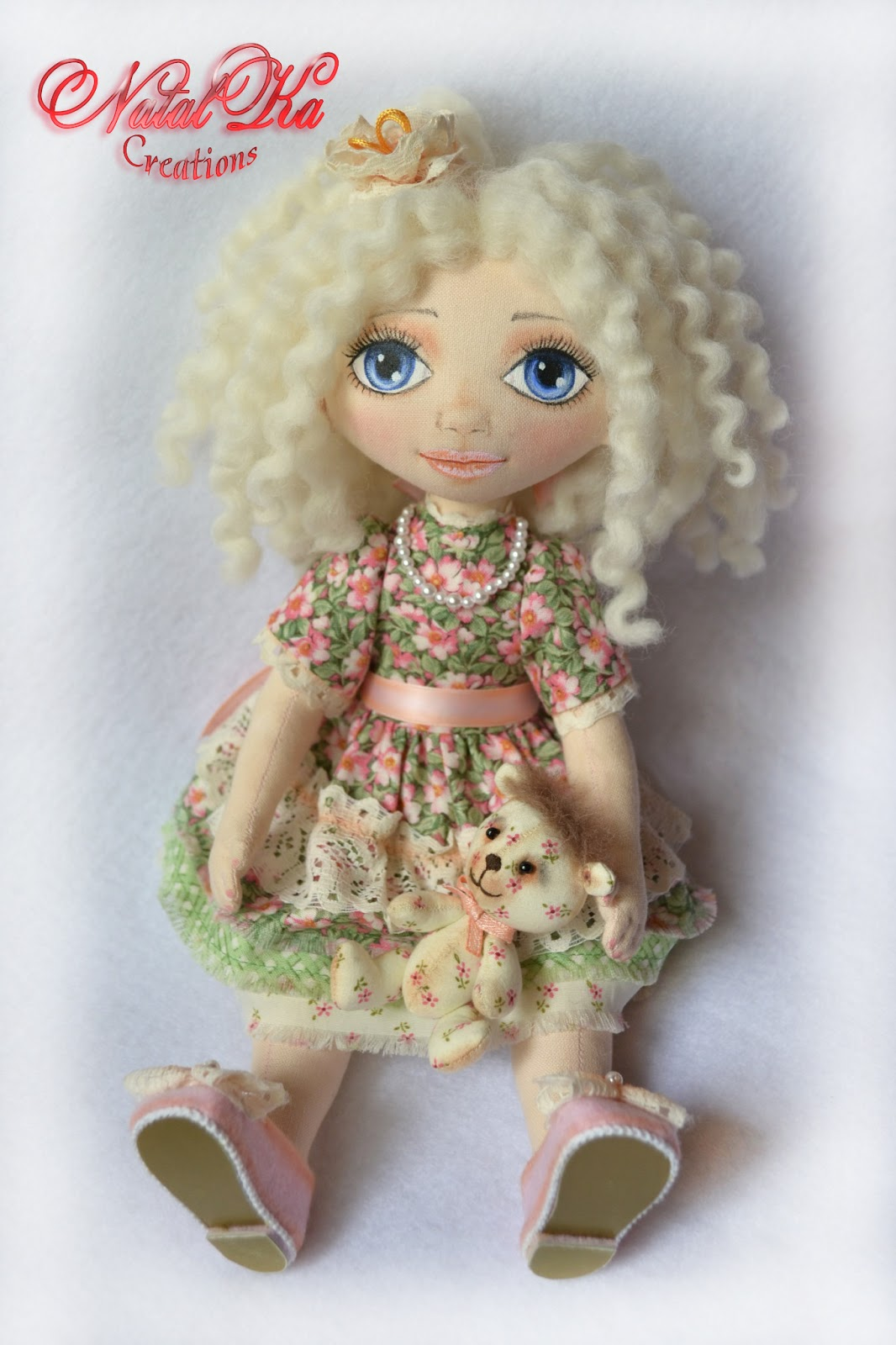 Авторская текстильная кукла. Handgemachte Stoffpuppe von NatalKa Creations. Cloth art doll handmade by NatalKa Creations