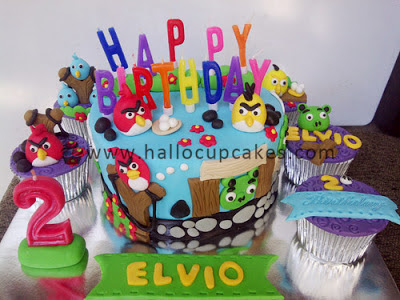 angry bird cake