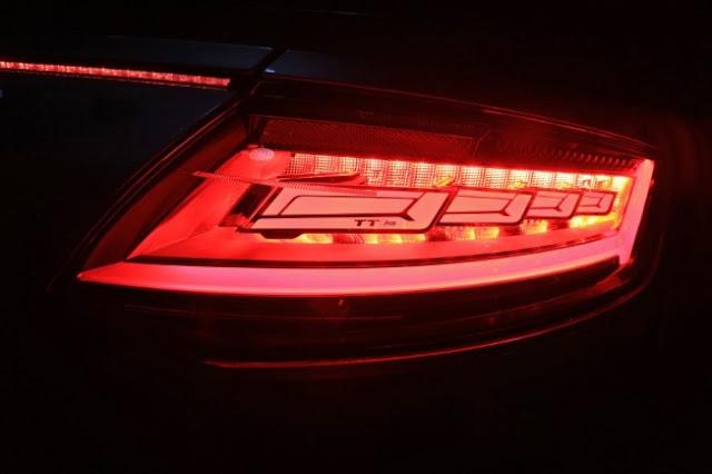 Audi TT RS OLED