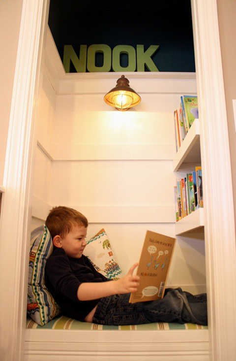 Petite Literary: Making use of small spaces: Closet Reading Nook