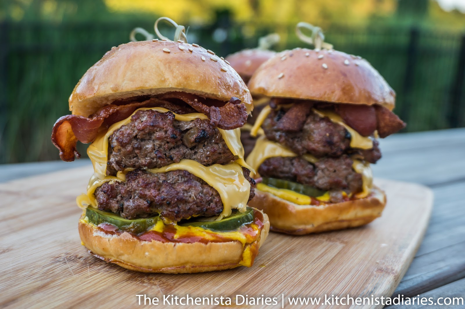 Homemade Cheeseburger Sliders Two Ways The Kitchenista