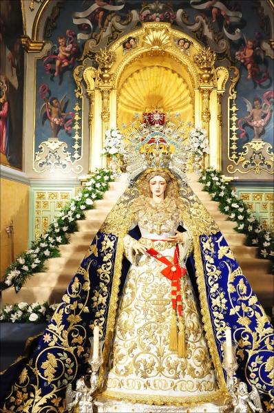VIDA DE LA HERMANDAD AÑO III Besamanos+Virgen+de+los+%25C3%2581ngeles+Los+Negritos+Sevilla+2012+%25284%2529