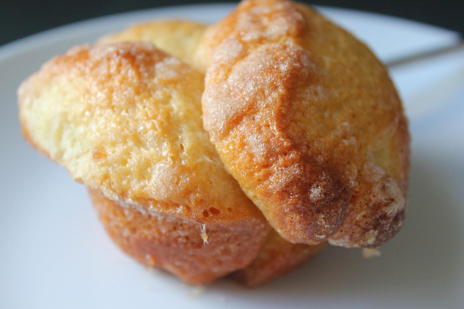 Cinnamon-sugar brioche bun