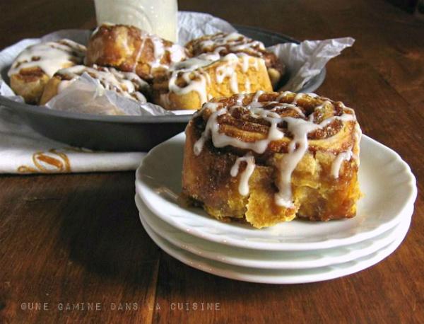 Pumpkin Cinnamon Rolls | une gamine dans la cuisine