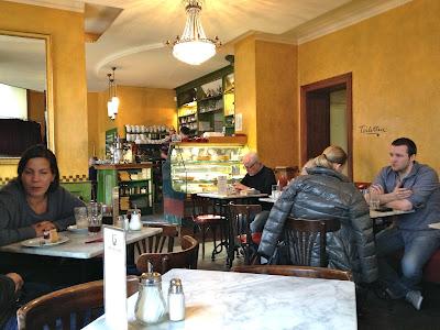 Sowohl Als Auch Berlin cafe interior