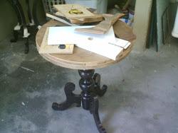 Mesa em processo de restauração..