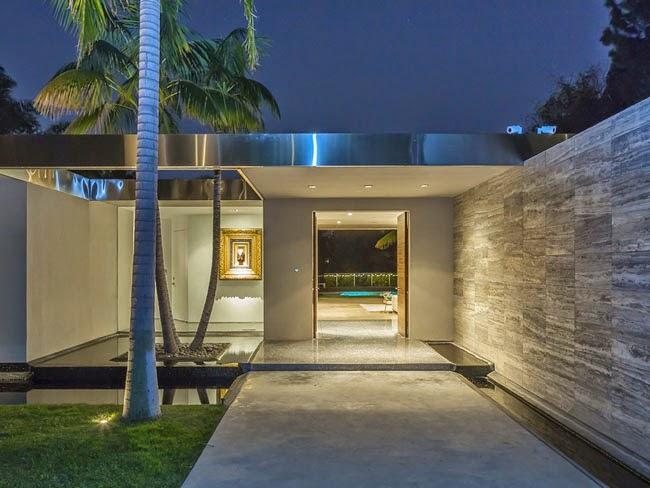 Casas minimalistas y modernas accesos modernos y minimalistas for Imagenes de interiores de casas minimalistas