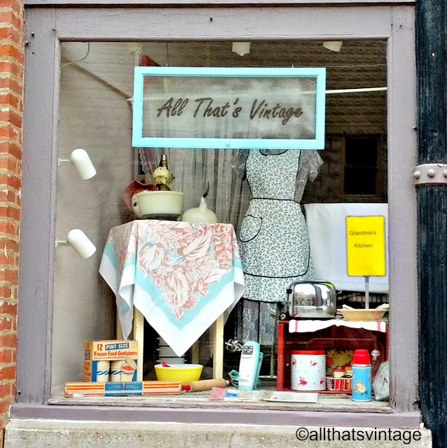 Kitchen Window Display: All That's Vintage: All That's Vintage Window Displays