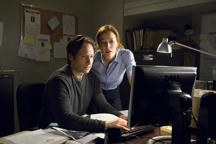 http://bloody-disgusting.com/news/3337426/breaking-fox-will-officially-resurrect-x-files/