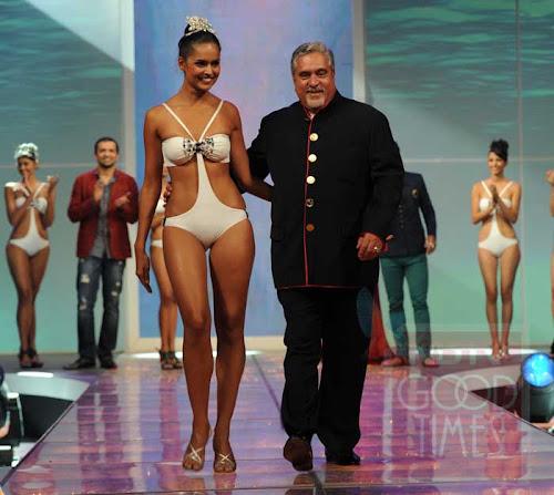 Nathalia Pinheiro Kingfisher Calender 2012 Girl bikini