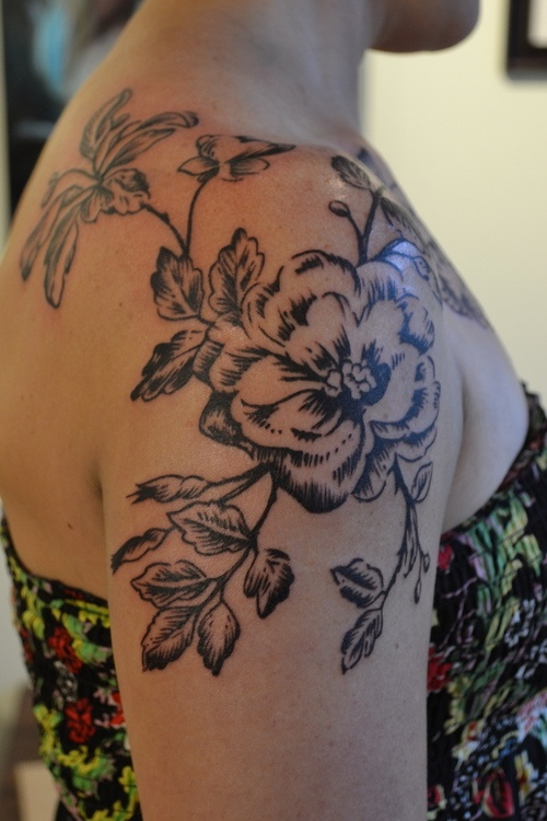 Brown but flower on shoulder female tattoofemale tattoos for Feminine shoulder tattoos