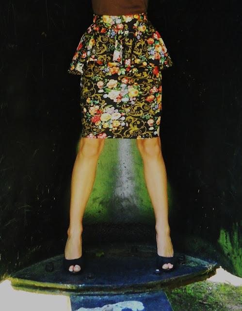 skirt, szycie ubrań, szycie baskinki, krawiectwo, spódnica w kwiaty, kwieciste wzory