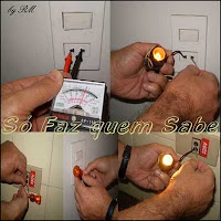 Fazendo testes para descobrir se a tensão elétrica da tomada é 110 V ou 220 Volts