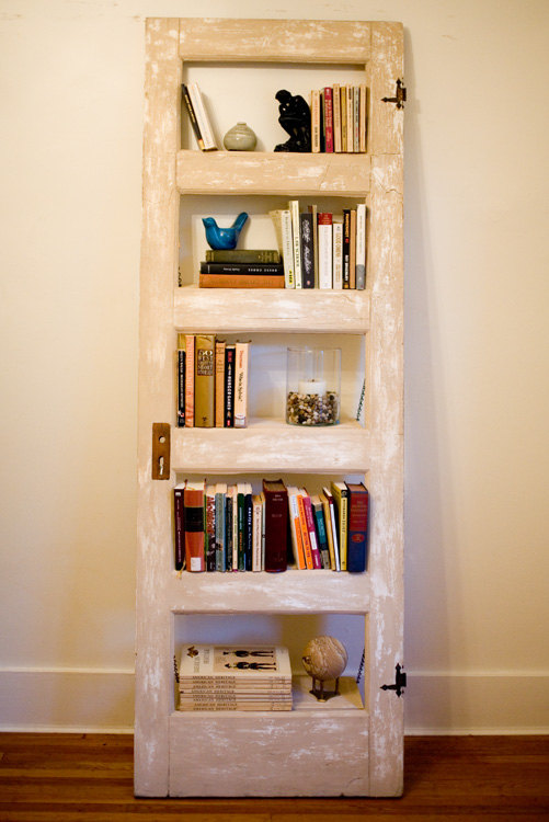 DIY Old Door Bookcase 501 x 750