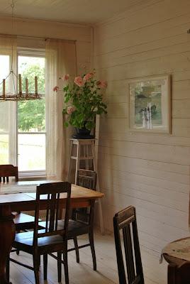 Högsåran Farmors Cafe - Mummonmökkimäinen sisustus