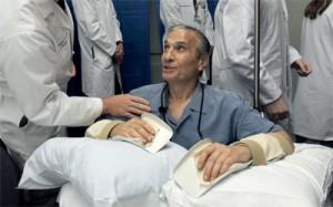أطباء ينجحون فى عملية زرع يدين لرجل فى امريكا