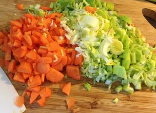 Minestrone di Minestrone di verdura fresca e legumi misti secchi