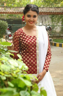 Tamil Actress Sandra Amy Picture Gallery at Thoppi Movie Audio Launch 6.JPG