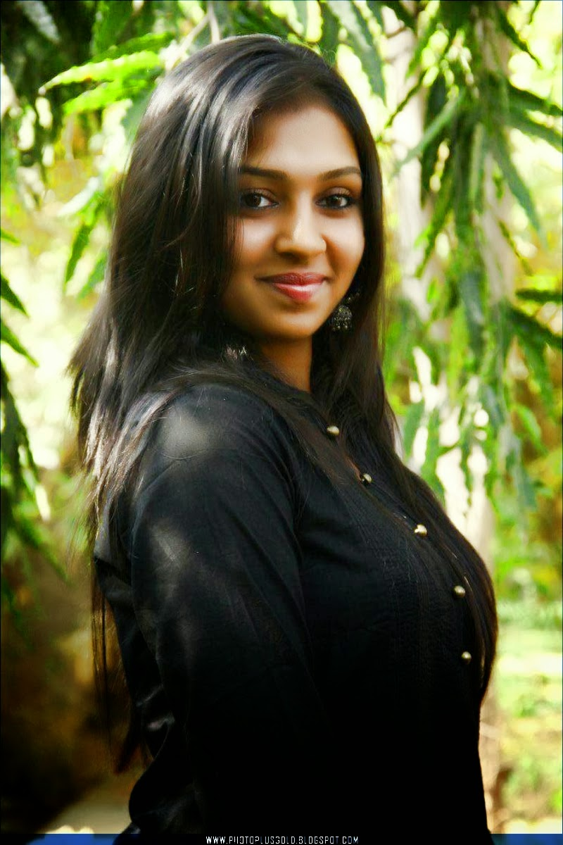 HD WALLPAPERS FREE DOWNLOAD: Lakshmi Menon HD Wallpapers ...