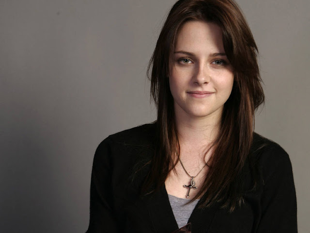Hot Pictures of Kristen Stewart