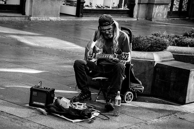 Belgrado artista di strada