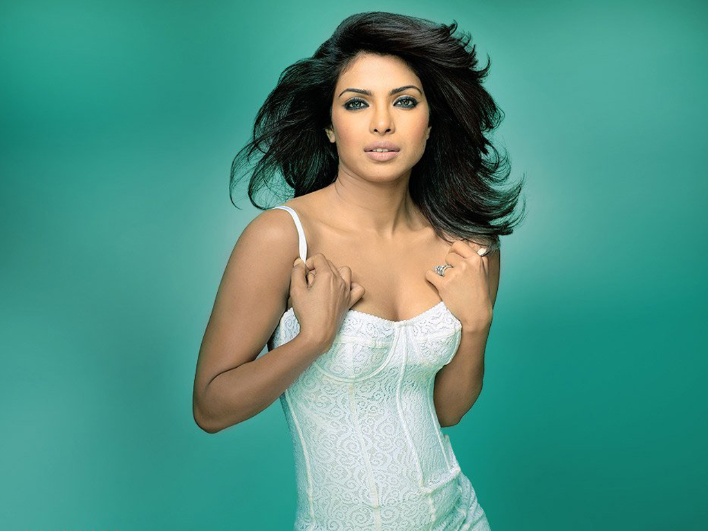 priyanka chopra bikini wallpapers - photo #4