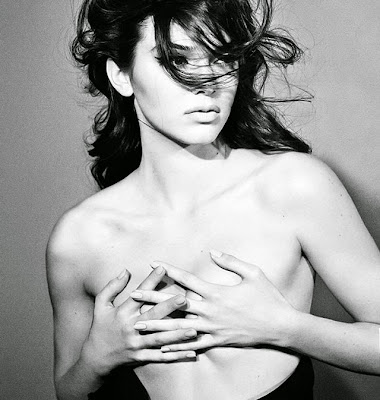 Kendall Jenner topless hot