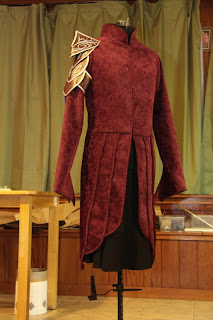 The sewn Lord Elrond tunic on the dress form.